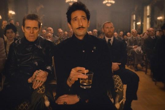 Los Malos: Adrien Brody (Dmitri), Willem Dafoe (Jopling)