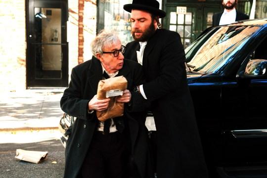 Murray (Woody Allen) y Dovi (Liev Schreiber)