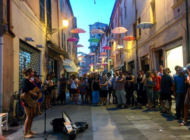 via-mazzini-ferrara-buskers-festival