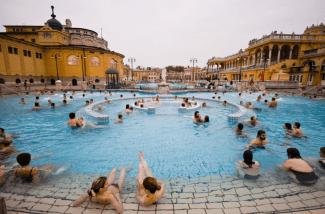 szechenyi-baths-outdoor-pools