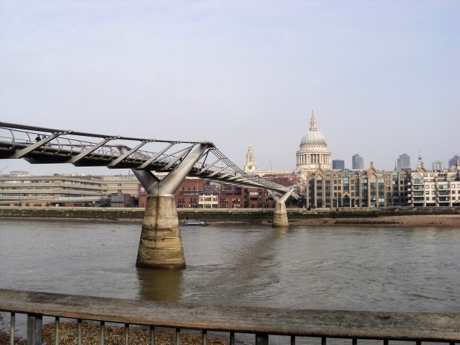 St Paul e Millenium Bridge Londres