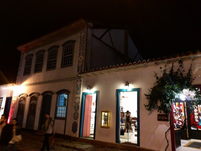 Casas de Paraty de noite