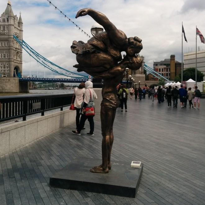 Southbank, estátua temporária