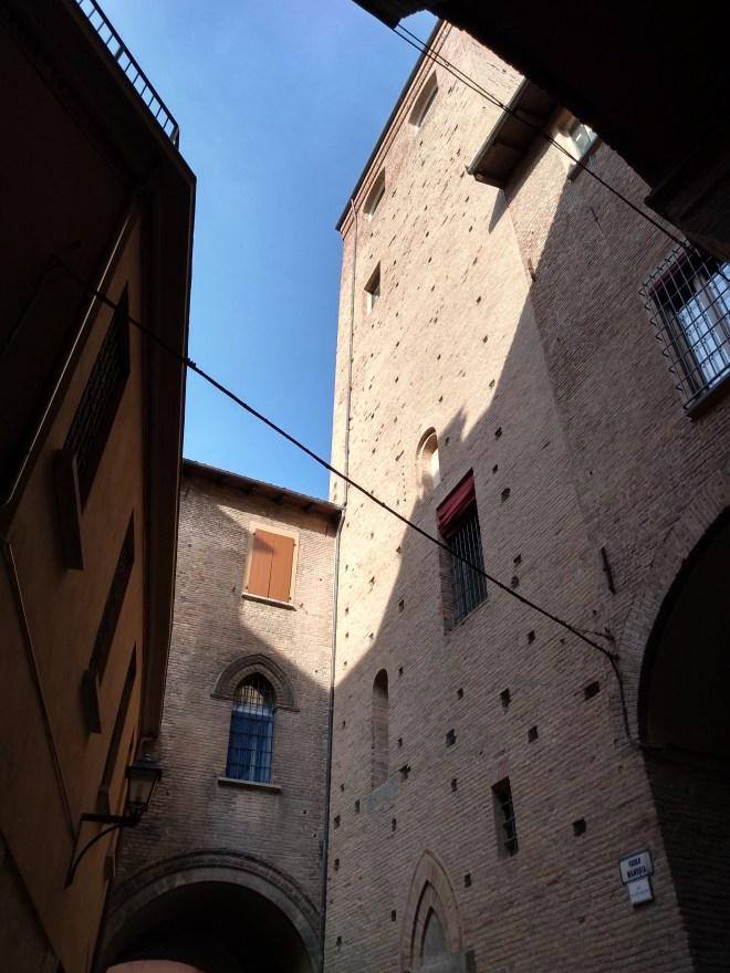 Bologna Torre degli Uguzzoni gueto judaico
