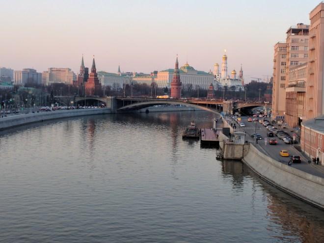 Ponte do patriarca vista do Kremlin Moscou