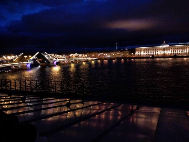 petersburgo telhado noites brancas vista ponte anunciação abrindo pontes cantantes