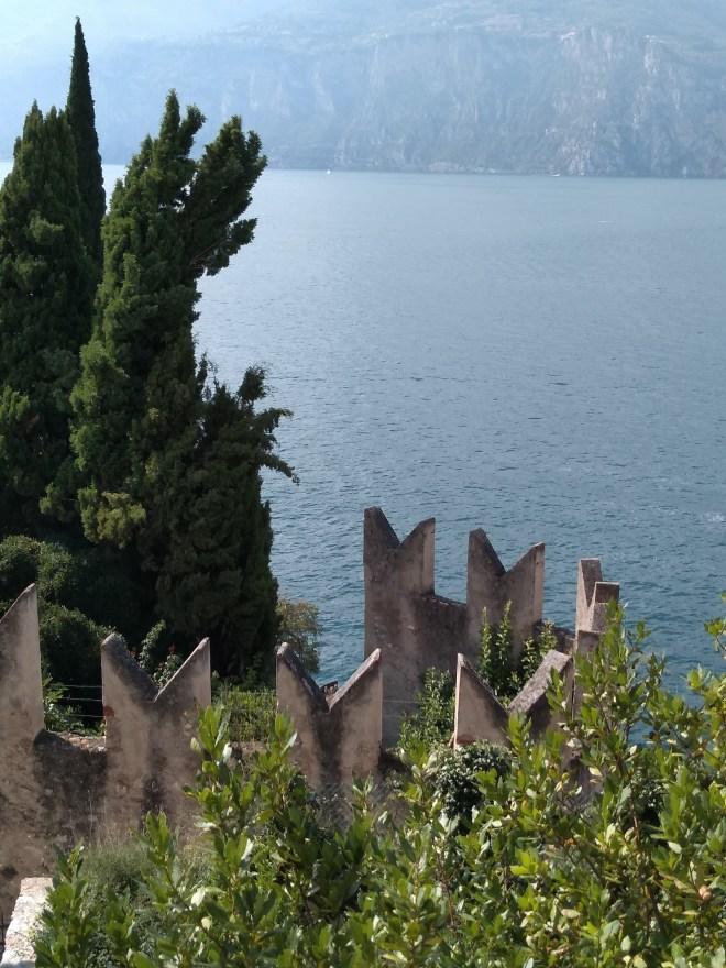 Lago de Garda Malcesine vista das torres