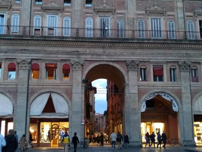 Bologna piazza maggiore palazzo dei banchi