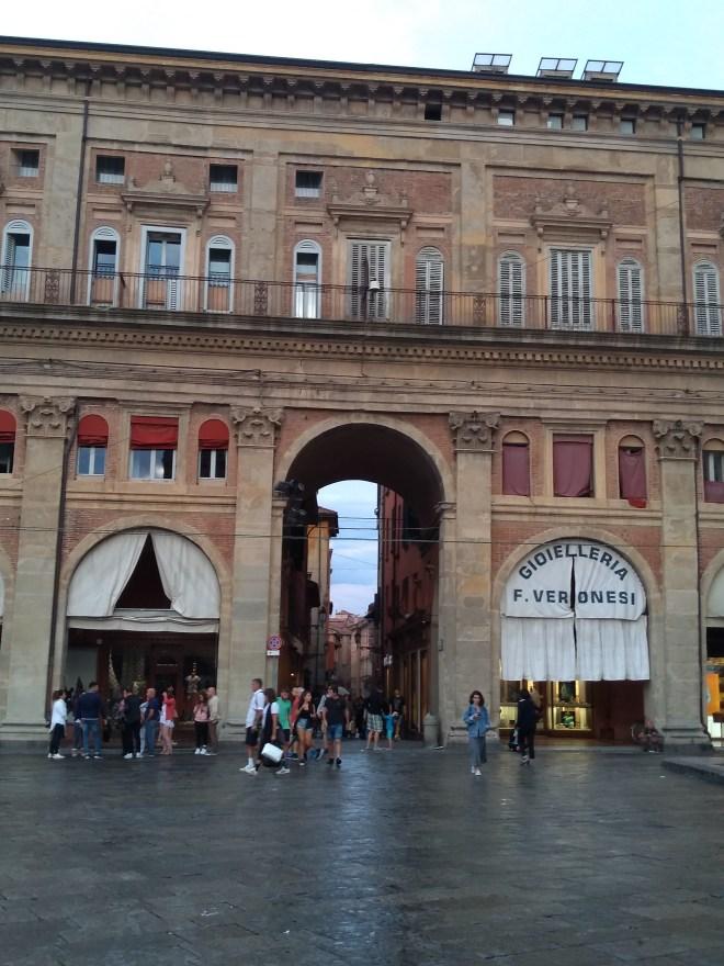 Bologna porticos piazza maggiore 2