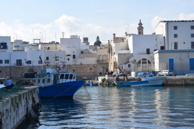 Monopoli puglia sul italia porto antigo 4