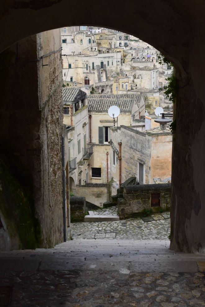 Matera sul itália descendo para os sassi