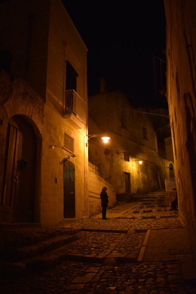 Matera sul itália ruas noite 2