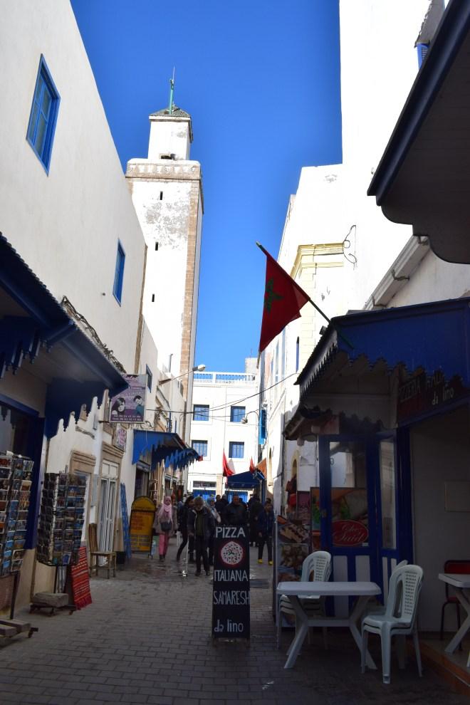 Marrocos Essaouira ruas brancas minarete