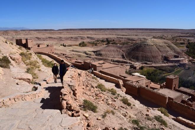 Ait Ben Haddou sul marrocos caminho para a outra montanha