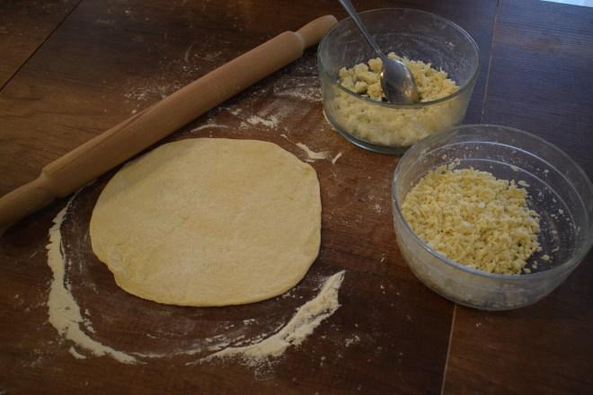 Geórgia Aula de culinária pratos típicos khatchapuri queijos imeruli sulguni
