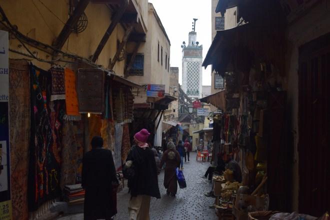 Marrocos Fez medina com mesquita charabline