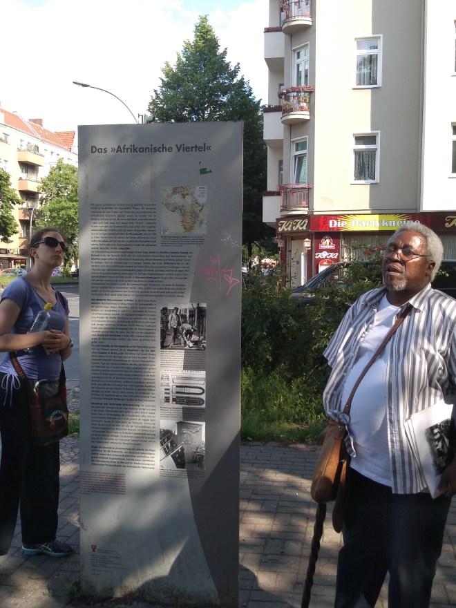tour berlim pos colonial bairro africano placa