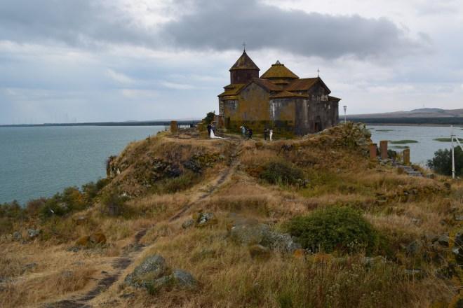 Armenia lago sevan monasterio medieval Hayravank 2