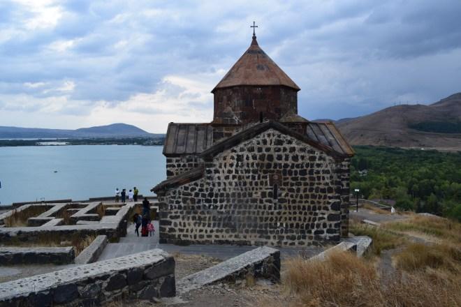 Armenia lago sevan monasterio medieval Sevanarank igreja 2