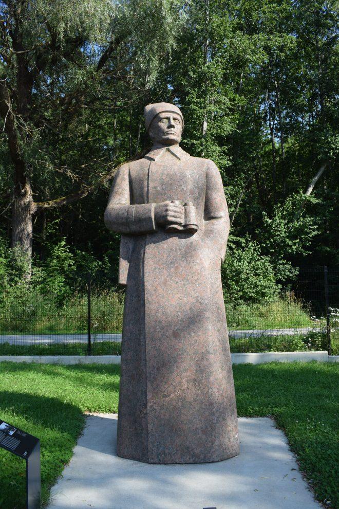 Tallinn estatuas sovieticas abandonadas 3