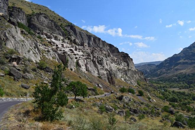 Vardzia monastério caverna vale