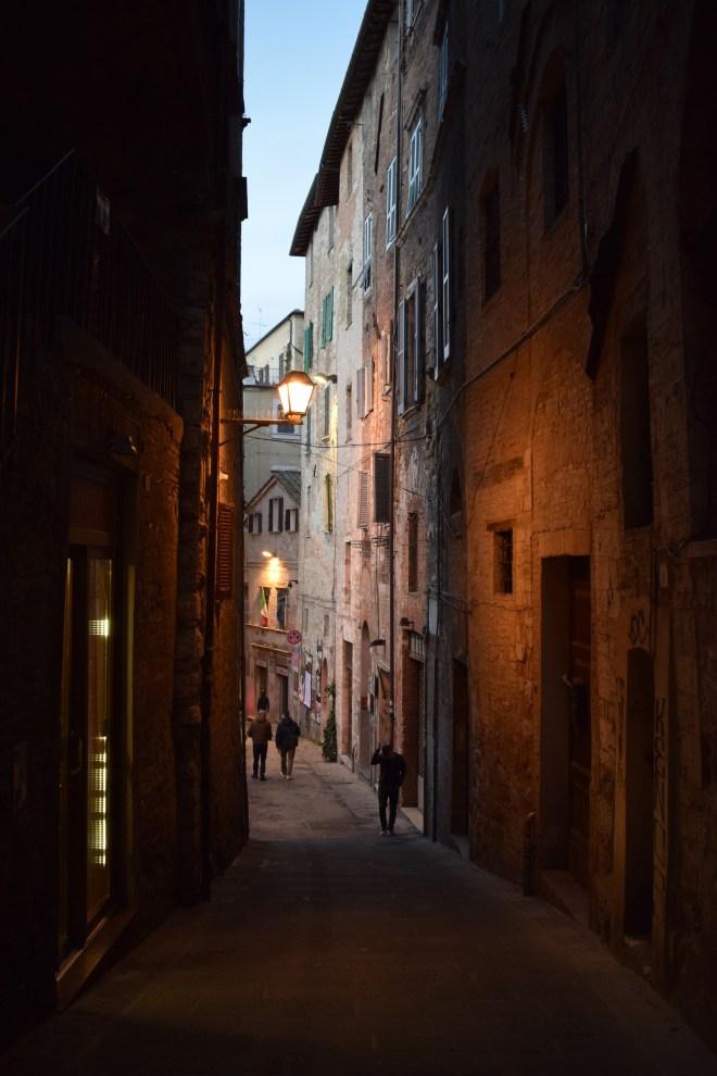 Perugia rua de noite
