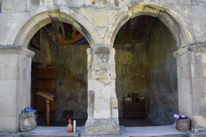 Georgia Mtskheta centro espiritual religioso igrejinha entrada