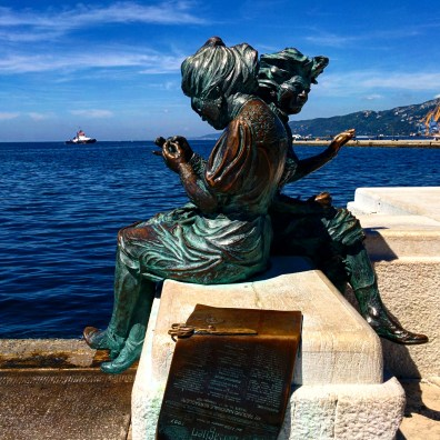 trieste cidade mais subestimada do mundo estátua mar