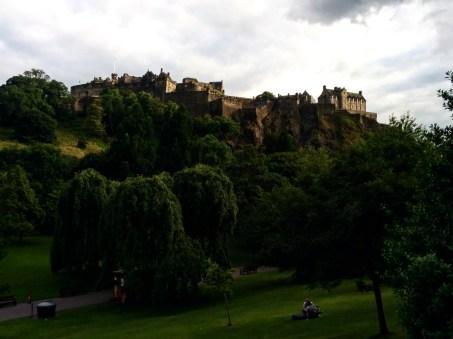 castelo-de-edimburgo-visto-do-princes-garden-2
