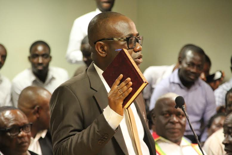 GFA-boss-Kwesi-Nyantakyi-swearing-in-with-the-Holy-Quran