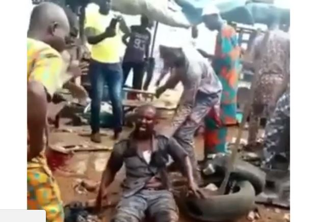 Customs Officer lynched