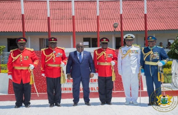 Akufo-Addo with military men