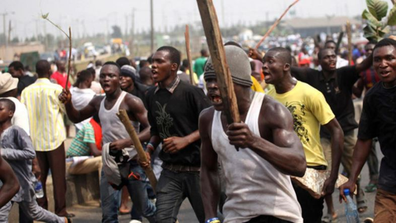 Angry Paboase youth attack policemen; injure two