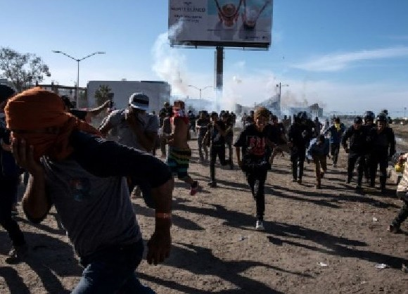 Mexico calls for investigation into the use of force by US border patrol agents against migrants