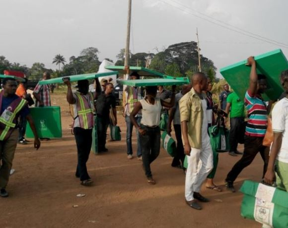 Nigerian polling agents