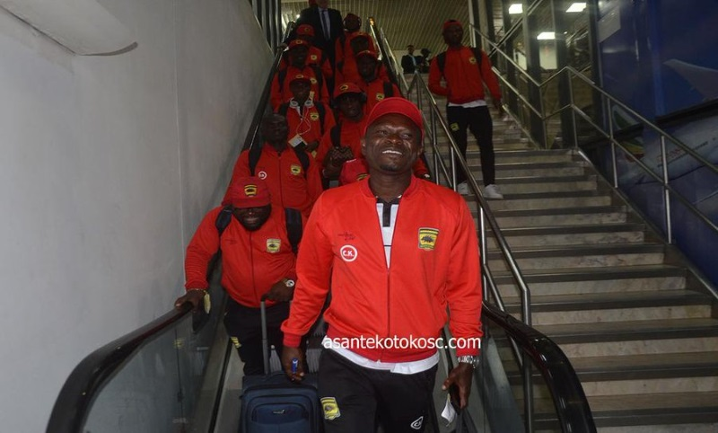 CK-Akonnor-leads-Kotoko-players-at-airport
