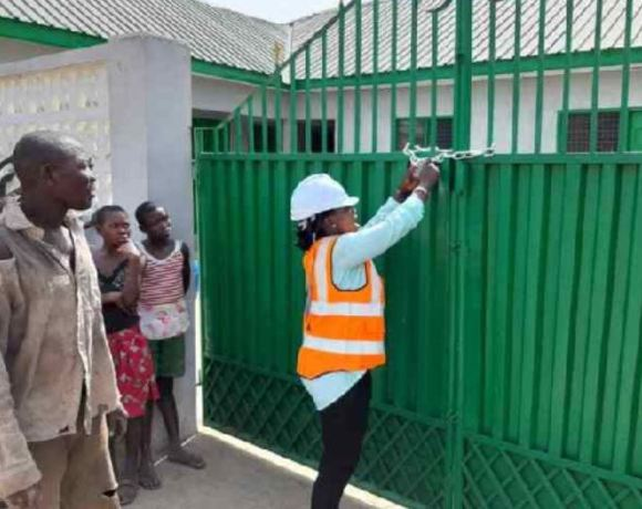Contractor locks up facility