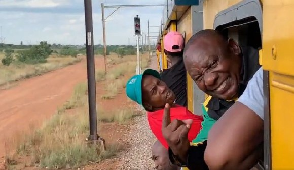 The train was travelling 50km (30 miles) from Mabopane to Pretoria
