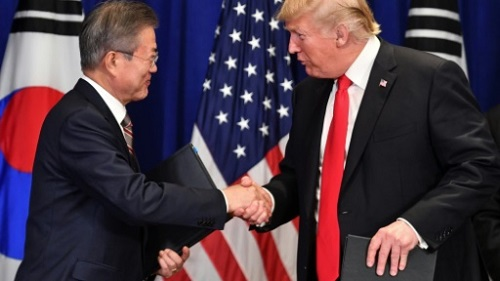 US President Donald Trump and South Korean President Moon Jae-in will meet in April in Washington