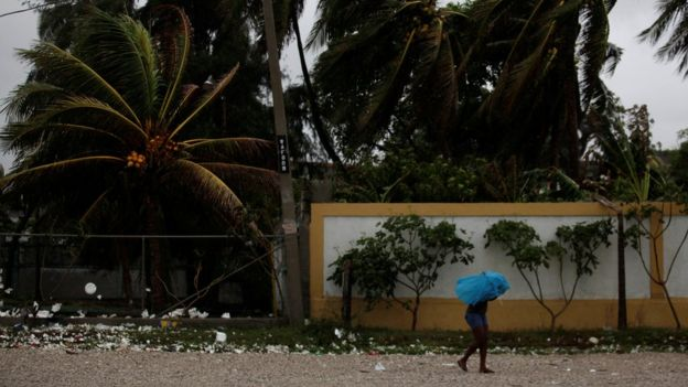 The hurricane and associated storm surge were directly responsible for the deaths of 16 people