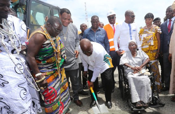 Akufo-Addo cutting the sod for the construction of the Obetsebi Interchange