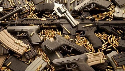 Guns with bullets (file photo)