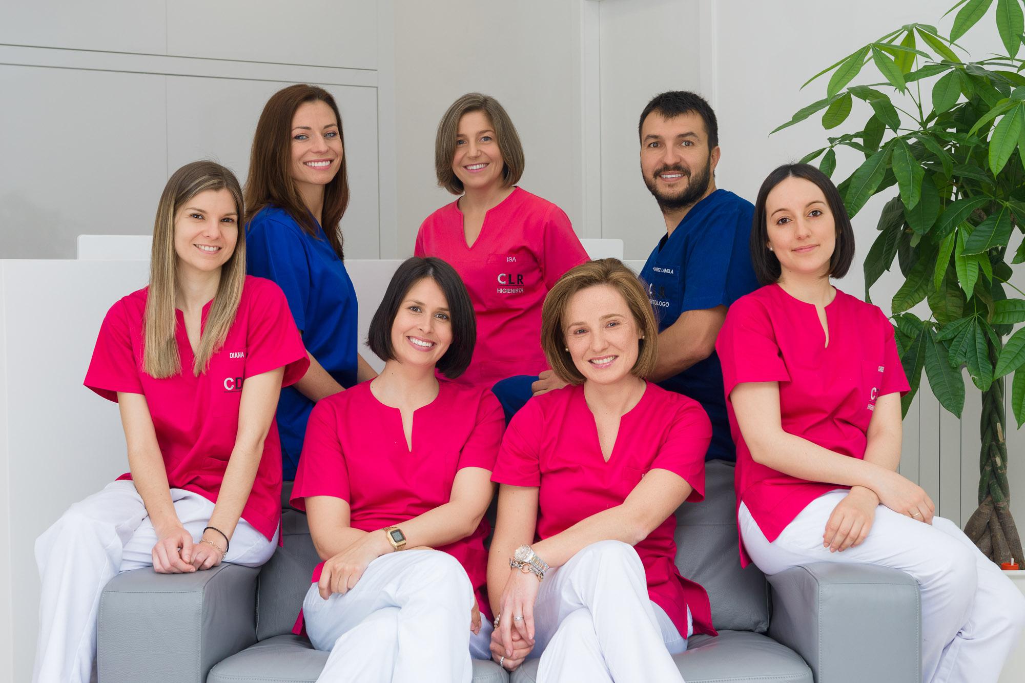 Fotografía corporativa-Equipo de traballo-clínica dental Lamela-Bertamiráns