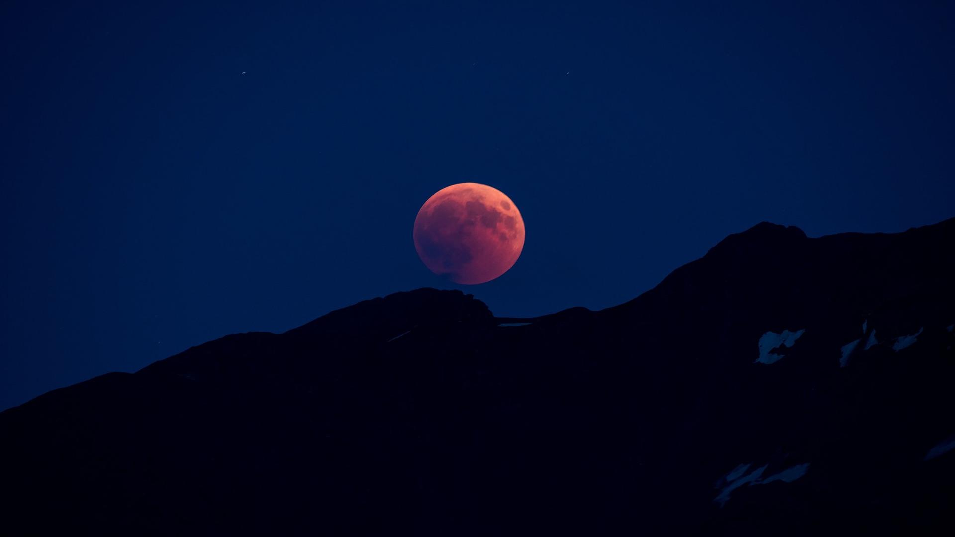 La Luna de Sangre y las...