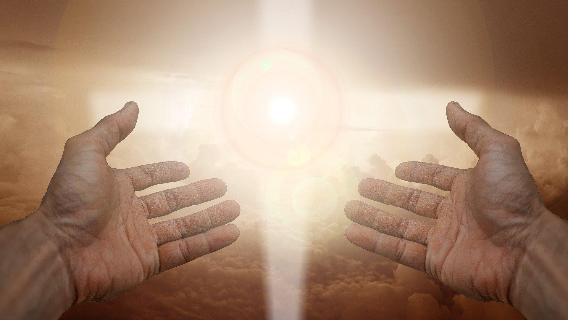 La luz de Dios es de un...
