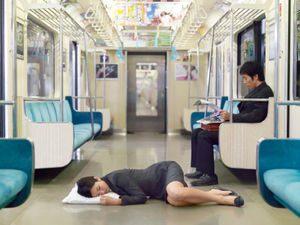 Tidur Terlalu Sedikit, atau Tidur Terlalu banyak, Sama Bahayanya