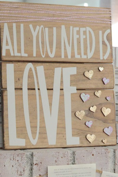 How to Make & Wrap a Valentine's Sign
