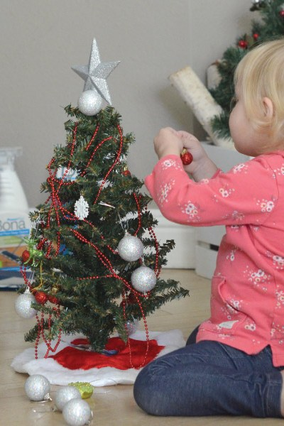 Simple Holiday Activities for Kids!