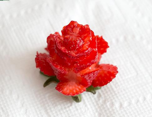 How to cut strawberry roses   ashandcrafts.com