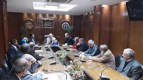 صقر  يلتقي رؤساء وممثلي الجمعيات الأهلية  السويس صور